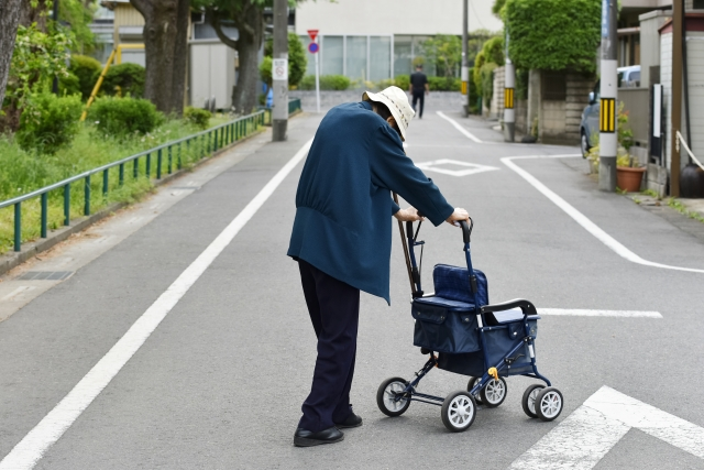 【広島県広島市の見守り調査事例】実家で一人暮らし中の母は認知症?