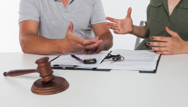 不倫が原因で離婚すると、子供の親権獲得に影響するの?